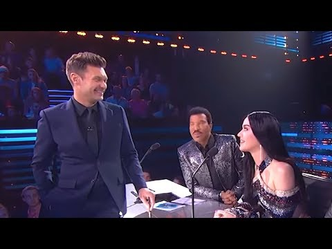 Ryan Seacrest Creeps on Katy Perry