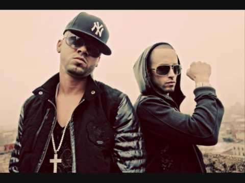 Wisin & Yandel - Mujeres In The Club (lyrics)
