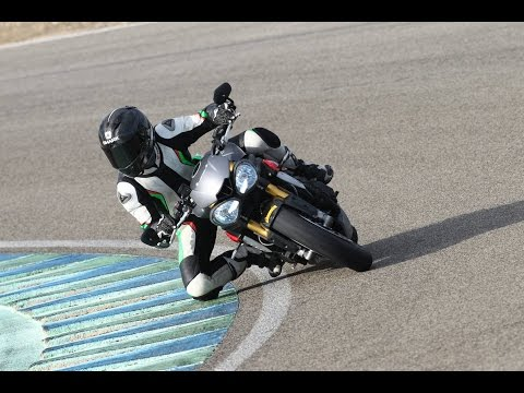 2016 Triumph Speed Triple Review (First Ride)