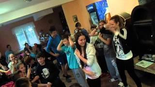 Soutěž v tanci Makarena