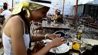 Рыбный ресторан в Хорватии в городе Дубровник.(Блюдо на двоих из морепродуктов за 200 кун. 1 куна = 7 евро или 6 $, 2012-09-27T13:23:13.000Z)