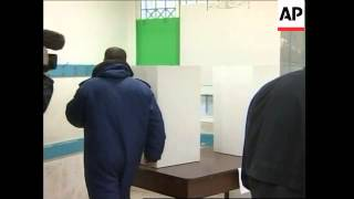 Observer Michel Rocard comments, voters comment