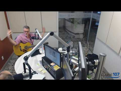Winnipeg Musician Steve Bell plays a set of intimate, acoustic set of music on Classic 107