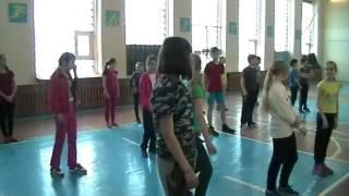 Лебедев А.А. Урок физической культуры в 5 классе.  Разучивание техники приема и передачи мяча