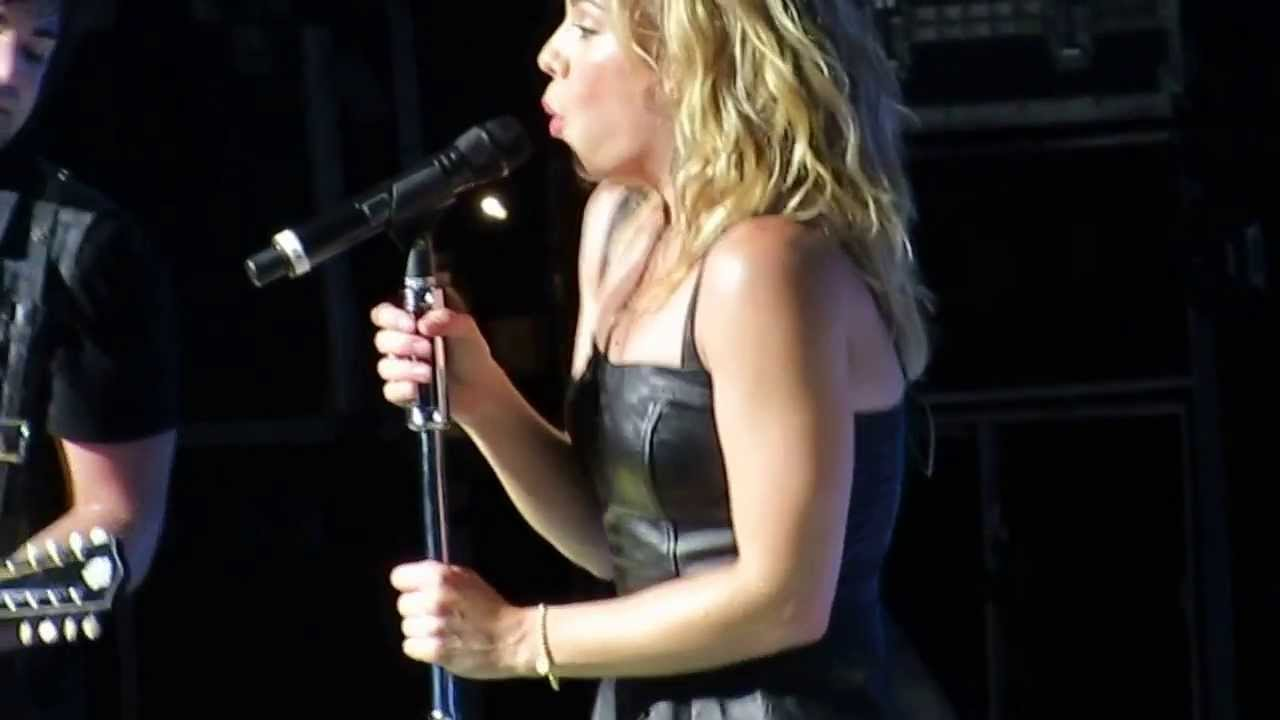 The Band Perry Don't Let Me Be Lonely