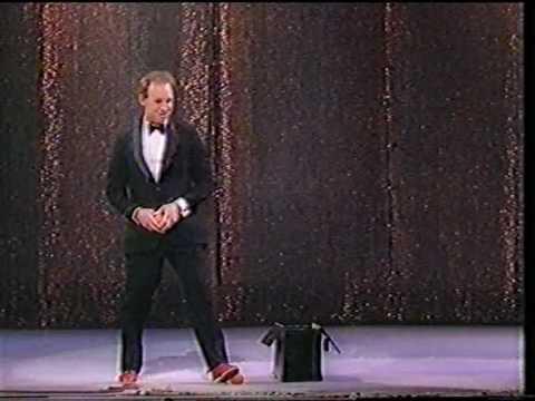 Michael Davis (juggler)