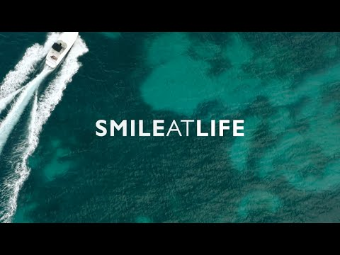 SAINT MARTIN - SMILE AT LIFE