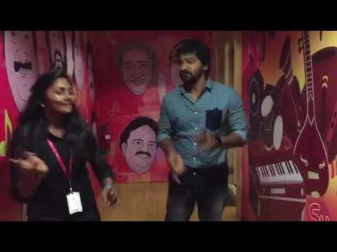 Vaibhav dances to Thangachi song with Suryan FM RJs