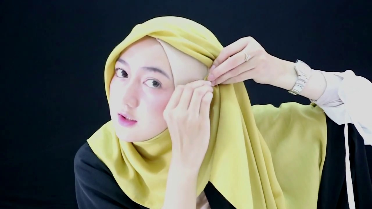 tutorial hijab segi empat simple nan modis - youtube