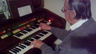 Dave Tow on his electronic Elka Organ - Somewhere over the rainbow
