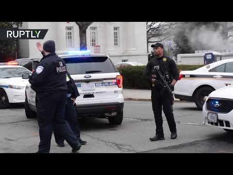 توقيف سيدة مسلحة بمسدس صدمت بسيارتها حاجزا أمنيا للبيت الأبيض  - نشر قبل 6 ساعة