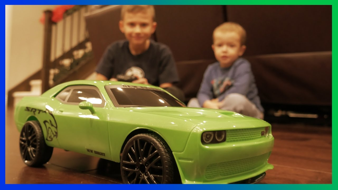 Challenger Srt Hellcat >> TOY Vehicle RC Chargers Green Dodge Challenger SRT Hellcat ...