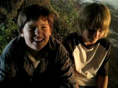 Dylan & Cole Sprouse - Behind The Scenes Of Kings Of Appletown Part 4
