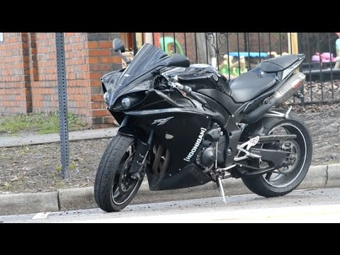 2010 Yamaha R1 - Review - YouTube
