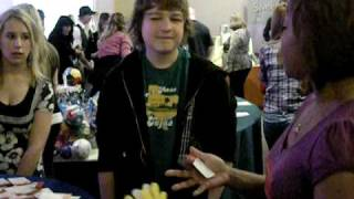 two and a half men star angus t jones plays catch my drift right before the kca 09