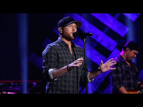 Cole Swindell Performs 'Stay Downtown'