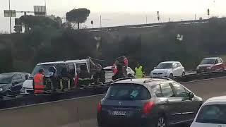 Investito mentre attraversa la Tangenziale: un morto