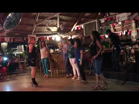 NAYLA LEE EN EL PIT BBQ DE MIAMI(4)