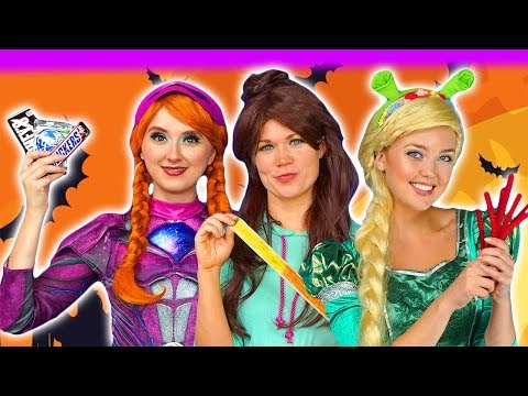 DISNEY PRINCESS HALLOWEEN CANDY HAUL. (Trick or Treat with Rapunzel, Tiana, Belle, Elsa and Anna)