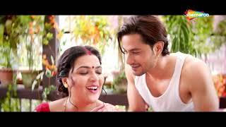 गुड्डू ने किया अपना प्रोडक्ट सेल करने के लिए औरत को इम्प्रेस | Guddu ki Gun Movie Scene