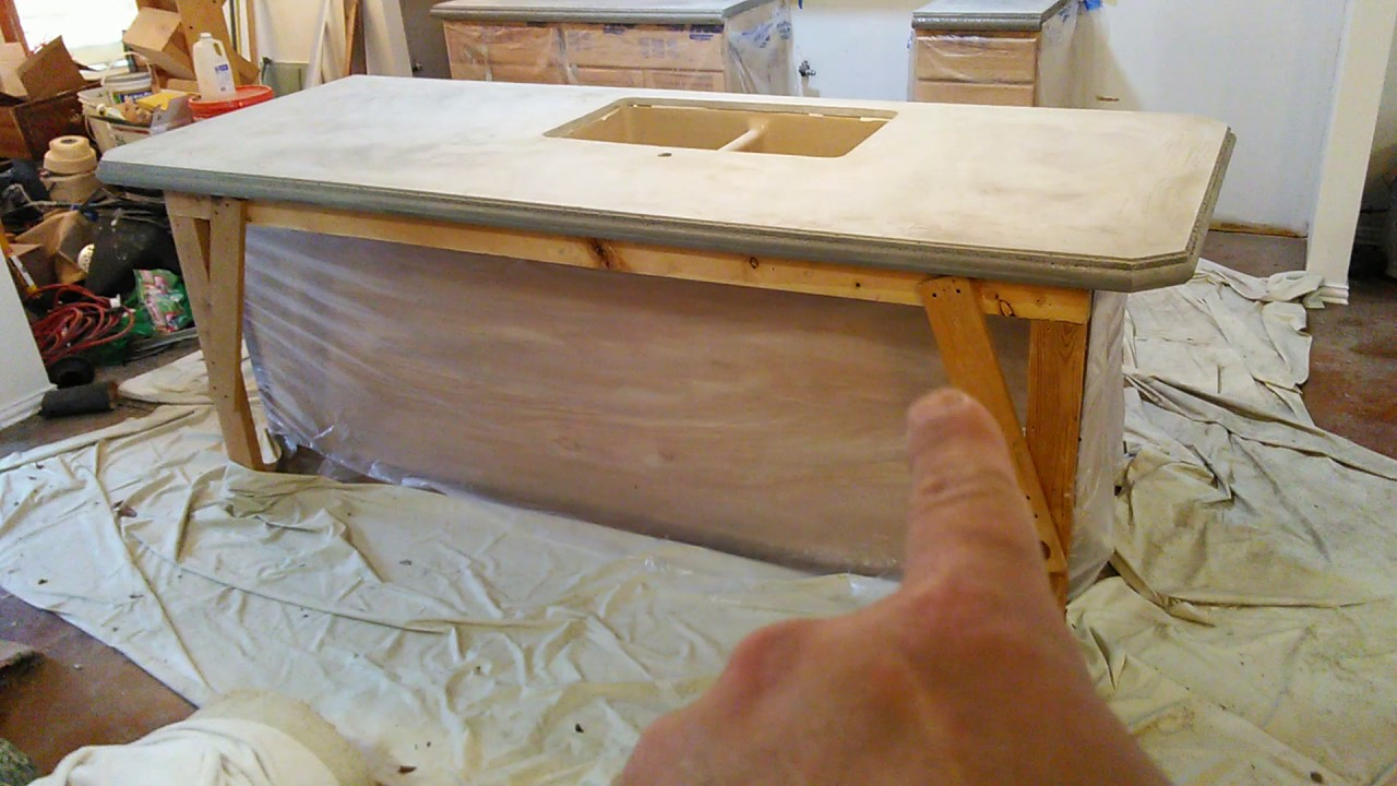 Concrete countertops forms off Z counter forms (3/3) - YouTube