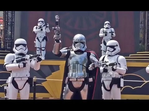 NEW Captain Phasma Stormtrooper March at Disney