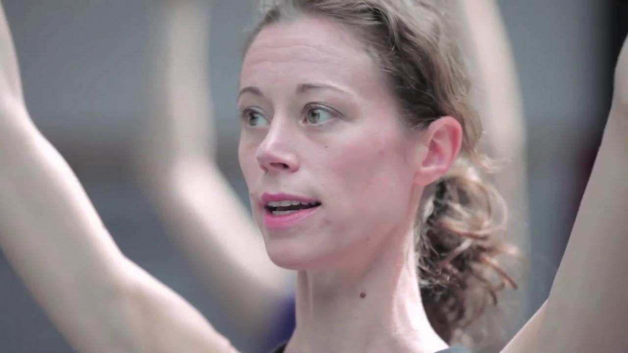 Connu Stage de barre au sol de Julie Schepens - YouTube VW27