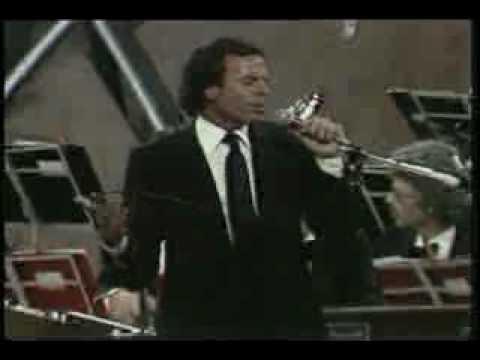 El Amor lyrics by Julio Iglesias - original song full text ...