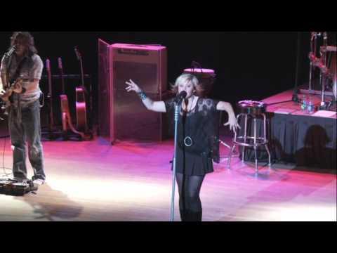 Gwen Sebastian Performs Dixieland Delight