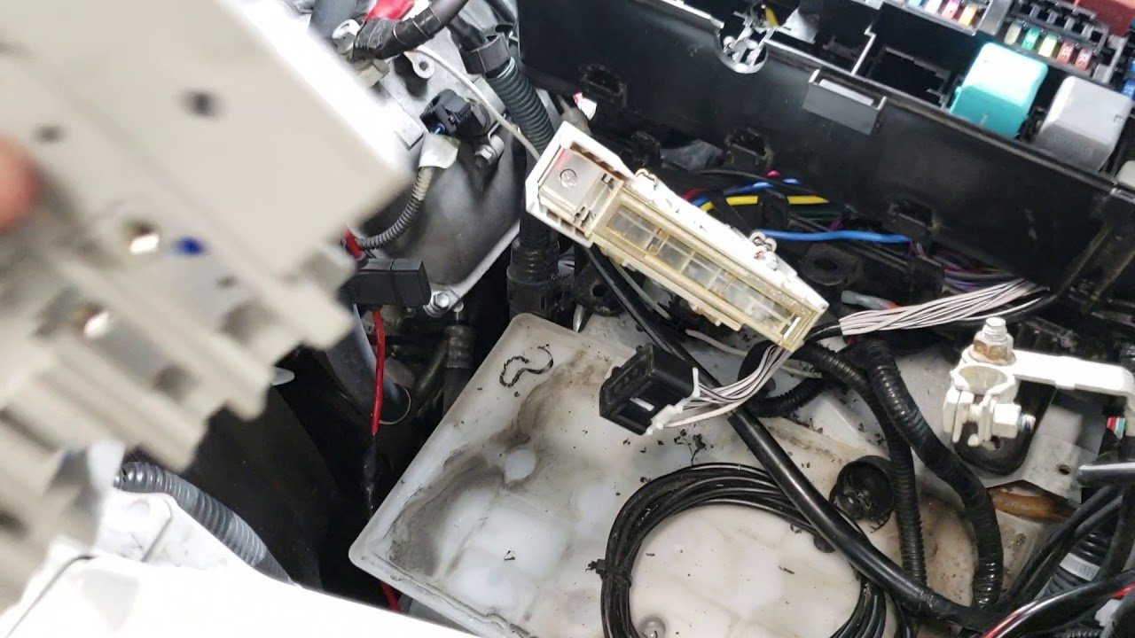 How To Replace The Main Fuse Link On A 14 18 Toyota Tundra