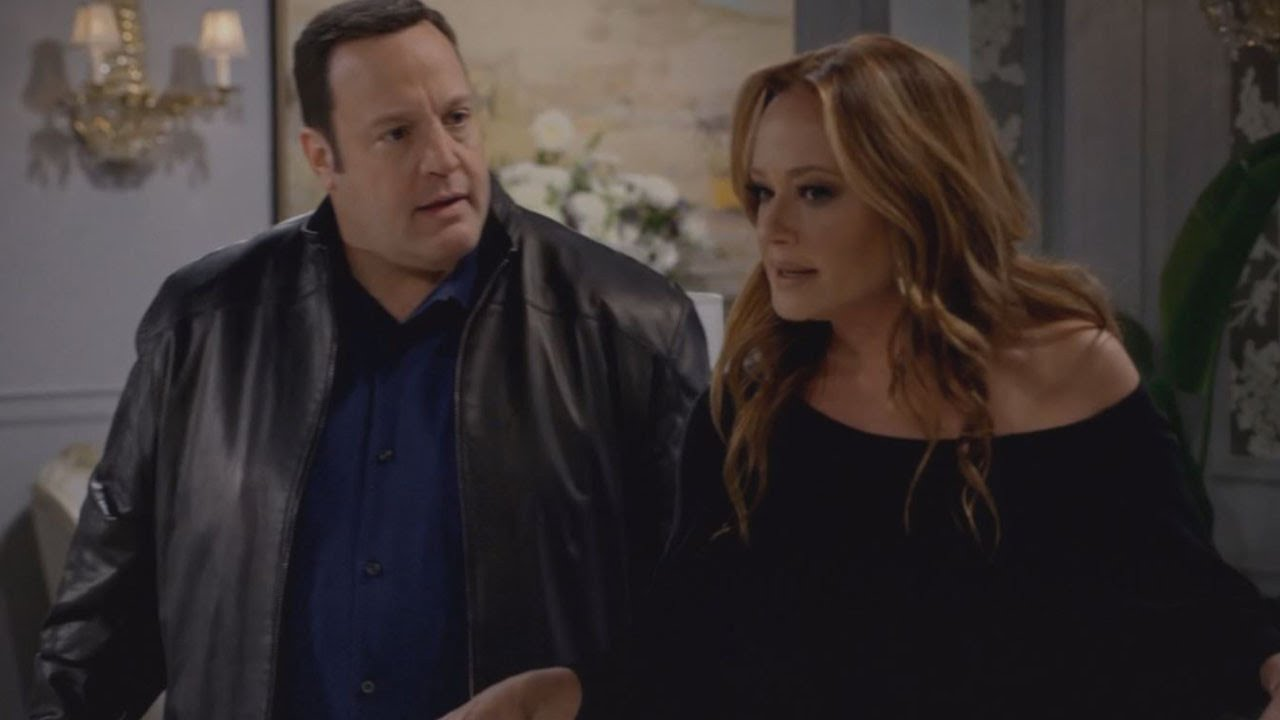 'Kevin Can Wait' fires Erinn Hayes, Leah Remini joins cast