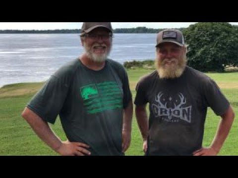 Father and son kayak Mississippi River for vets