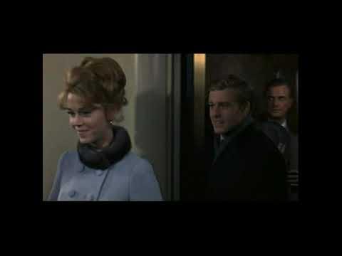 Honeymoon Love at Plaza Hotel, New York ~ Jane Fonda & Robert Redford (Barefoot in the Park, 1967)