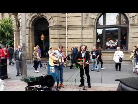 Donovan  Playing Buchanan Street, Glasgow On 1 July 2013
