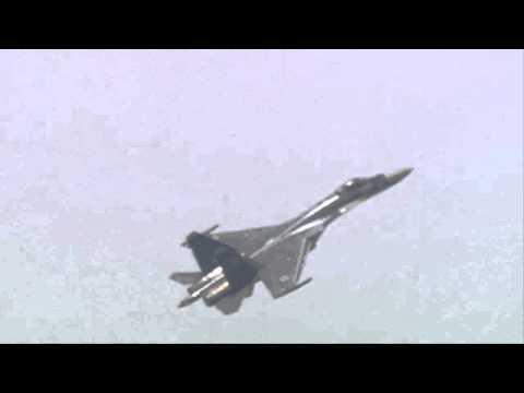 SUKHOI SU 35 (Vidéo officielleSalon du Bourget 2013)