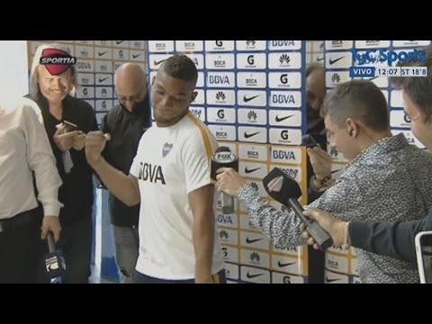 El bailecito de Frank Fabra en la conferencia de prensa de Boca