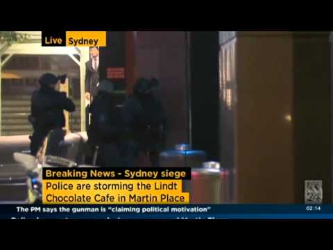 Sydney siege: Heavily armed police storm Lindt cafe in Martin Place