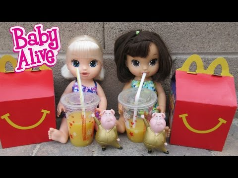 BABY ALIVE Riley & Mallory Eat McDonalds For The First Time!