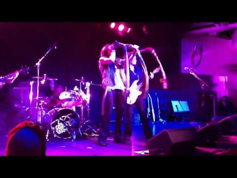 Aerochix rock Blue Ocean Music Hall