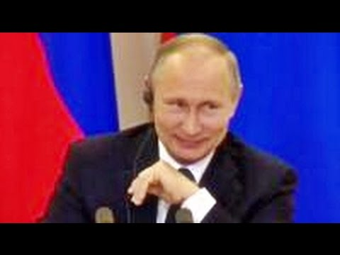 Putin laughs at political chaos in the US