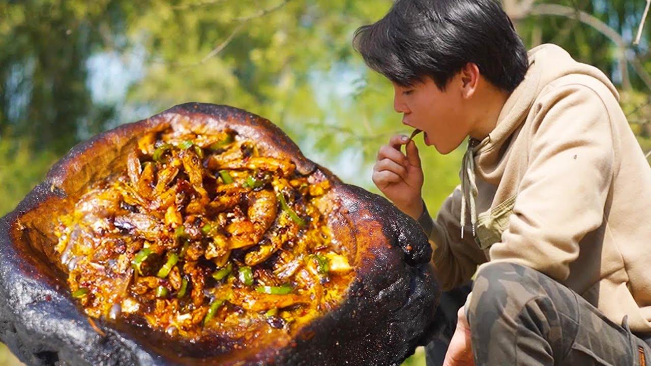 波波野外石板煎小魚,配上辣椒圈,味道實在鮮美了,香! 【叢林之家】