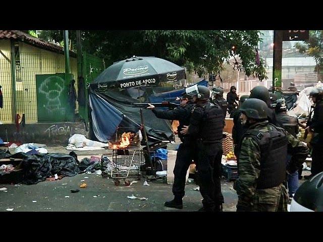 Crackdown in crackland