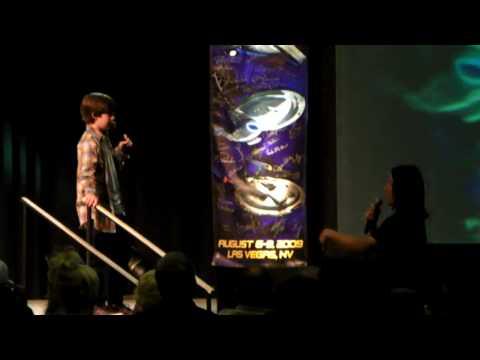 Jacob Kogan Gets Advice from Garrett Wang @ Star Trek Vegas 2009 Con