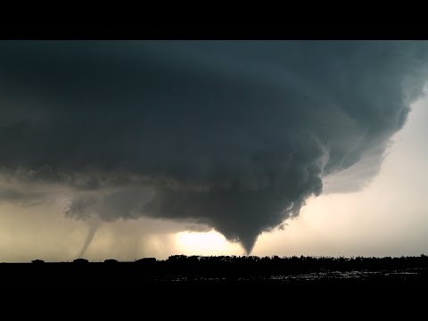 TORNADO HORROR in DODGE CITY - Kansas Twin Tornadoes May 24, 2016