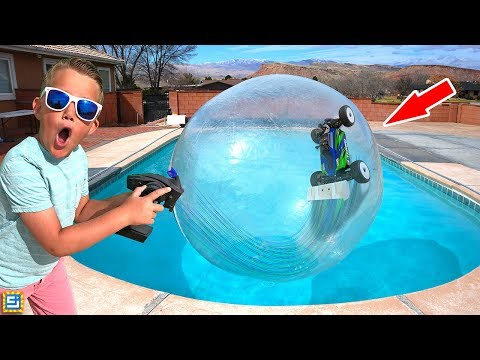 RC CAR DRIVING ON WATER INSIDE GIANT BUBBLE BALL!