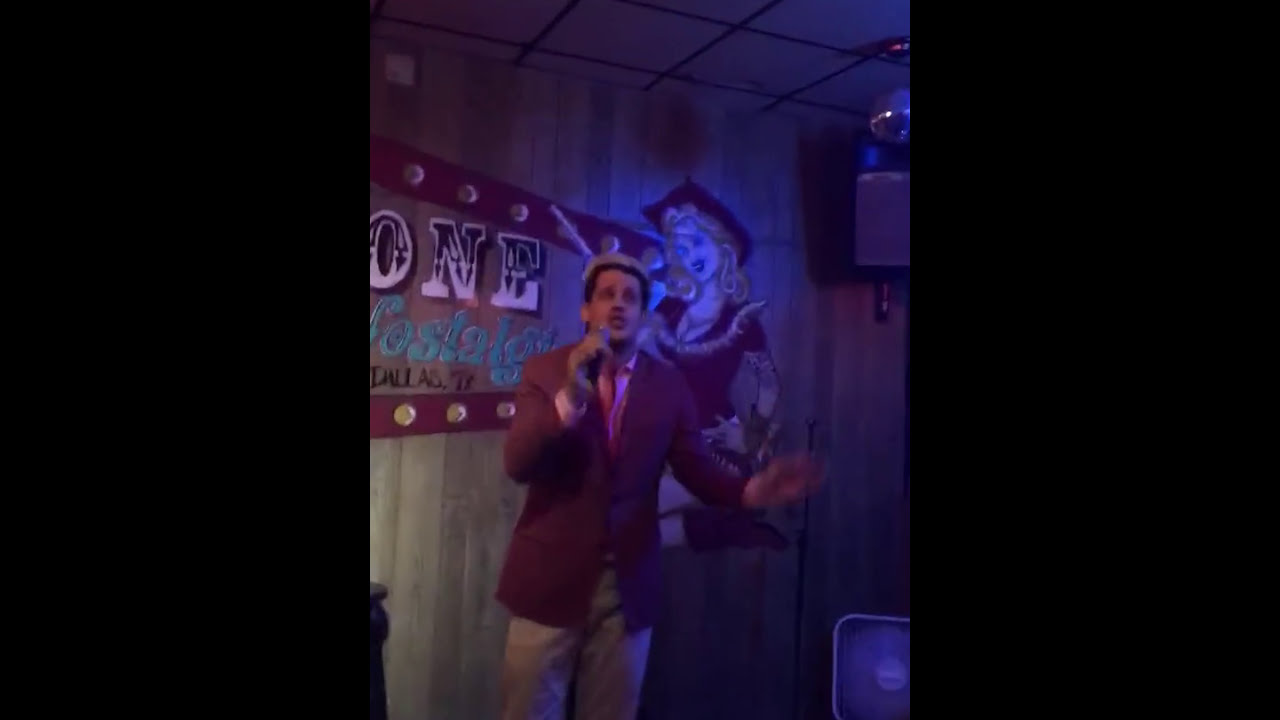 Milo Yiannopoulos filmed singing 'America the Beautiful