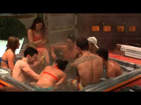 jogo Spin the bottle Big Brother Canada from YouTube · Duration:  16 minutes 20 seconds