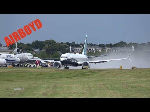 Boeing 737 MAX Airshow Demonstration - Farnborough