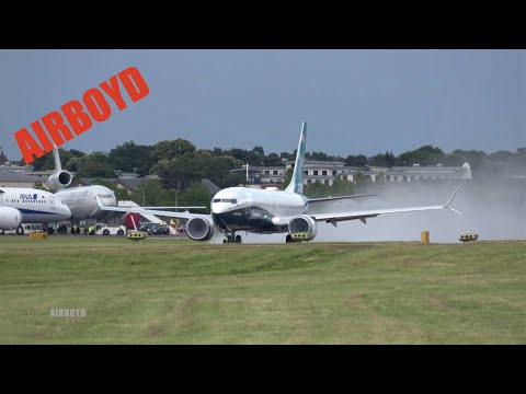 Boeing 737 MAX Flight Demonstration - Farnborough Airshow 2016 (Wednesday)