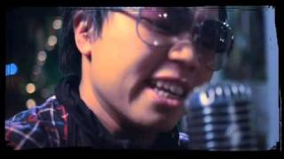 Sandhy Sondoro - Malam Biru (Official Music Video)